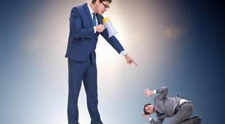 職場潛規則:領導打壓心腹時,常用這三種手段,要學會提防